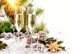 Новогодний базар в сети доставки цветов и подарков AMF
