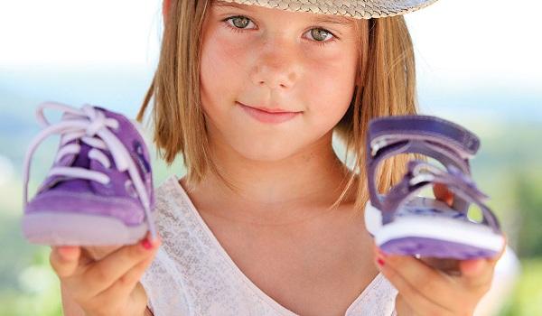 - 40 % на весеннюю и летнюю обувь для твоего малыша в «Весело шагать»