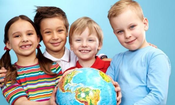 Пройди тест от Acoola и выиграй стильную школьную форму для ребенка