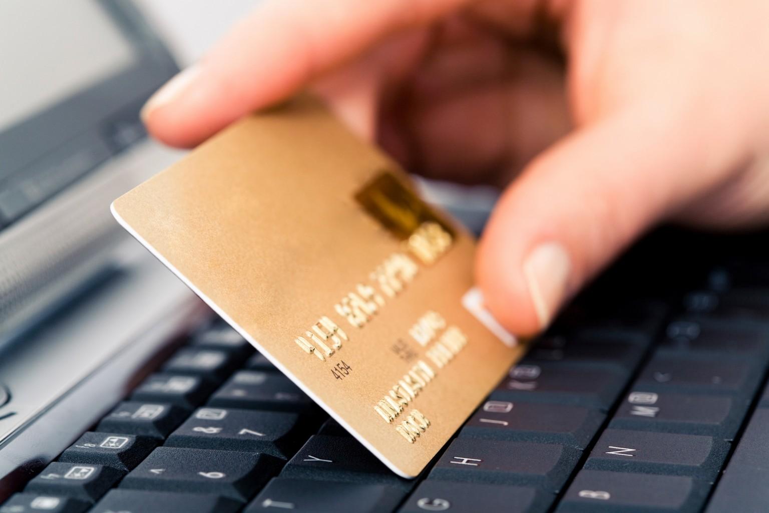 Бонус 3% к платежу при оплате через Webmoney или с помощью банковской карты от Макхост